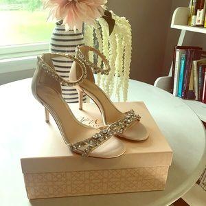 Badgely Mischka blush heels size 8.5. Beautiful!